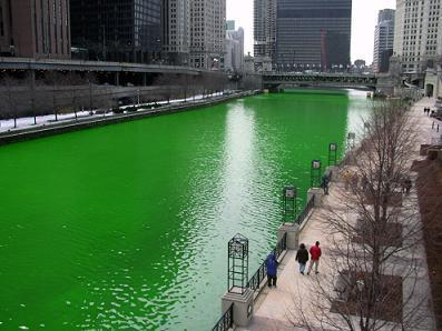 chicago_river_dyed_green_focus_on_river1.jpg