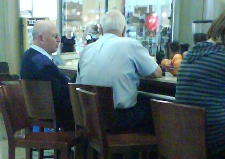 policemen-at-coffee-shop.JPG
